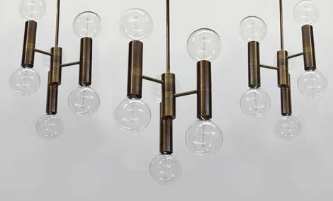 Vertical Globes Multiple Group